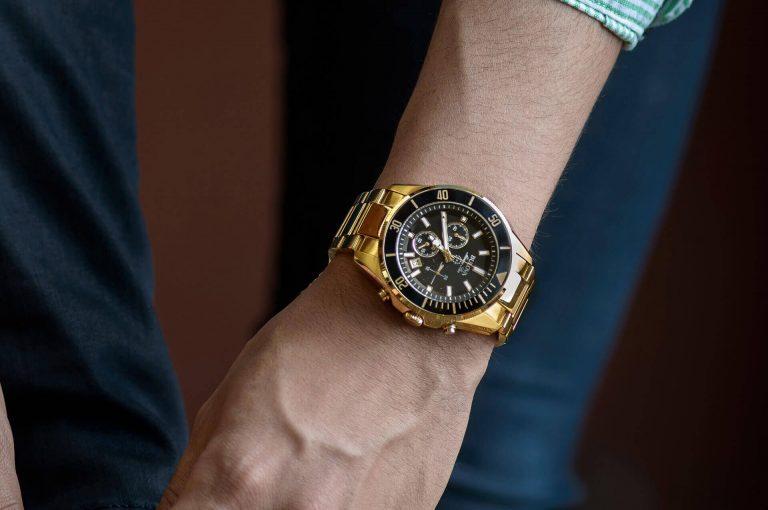 How to choose a Tonneau Watch
